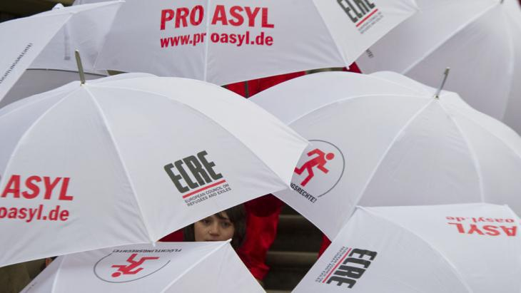 Pro Asyl: 10th Symposium on Refugee Protection in Berlin (photo: picture-alliance/dpa/S. Stache)