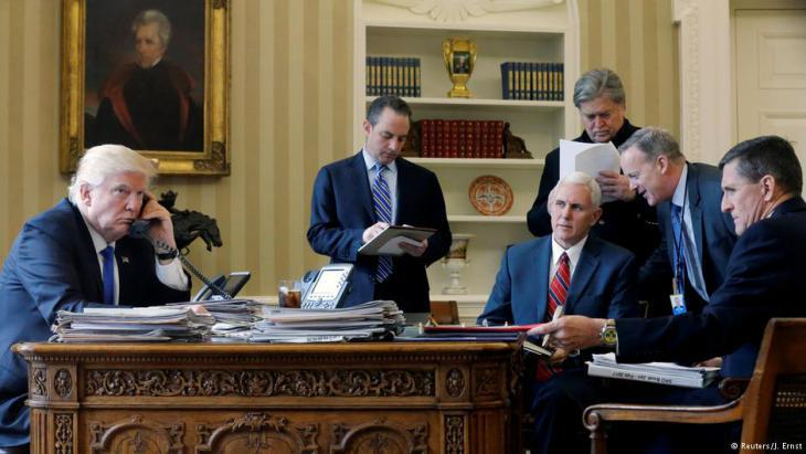 US President Trump along with Reince Priebus, Mike Pence, Steve Bannon, Sean Spicer and Michael Flynn (photo: Reuters)