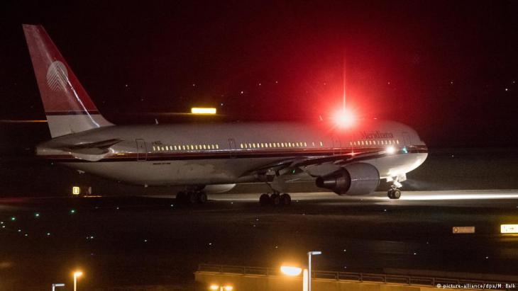 Aeroplane leaving Munich with deportees bound for Afghanistan on board  (photo: dpa/picture-alliance)