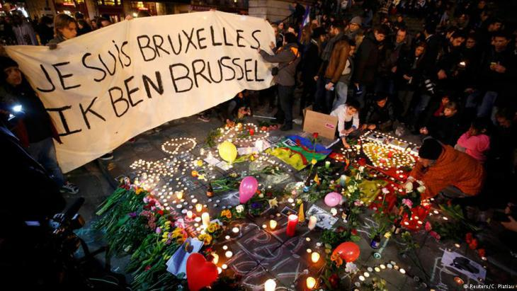 Grieving the victims of the Brussels attacks (photo: Reuters)