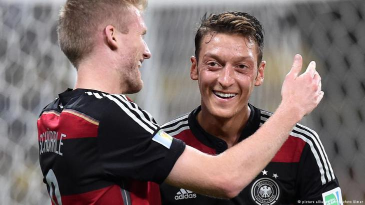 Mesut Ozil during a match at the 2014 World Cup in Brazil (photo: picture-alliance)