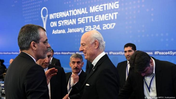 Staffan de Mistura meeting the Iranian delegation prior to the first round of negotiations in Astana