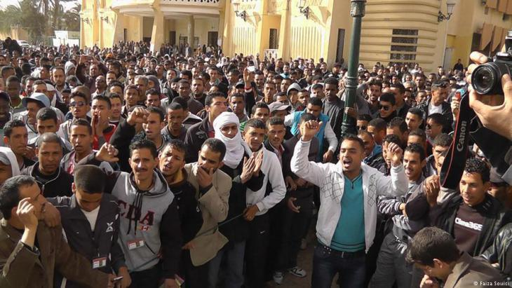 Young men demonstrating against poverty and unemployment in the southern Algerian town of Ouargla (photo: Faiza Souici)