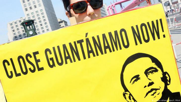 Demonstrators in the U.S. demand the close of Guantanamo (photo: picture-alliance/dpa)