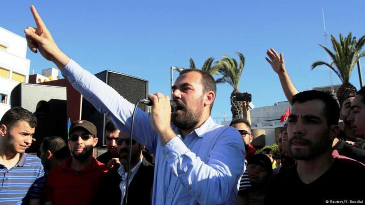 Activist Nasser Zefzafi addresses protesters in Al-Hoceima on 18 May 2017