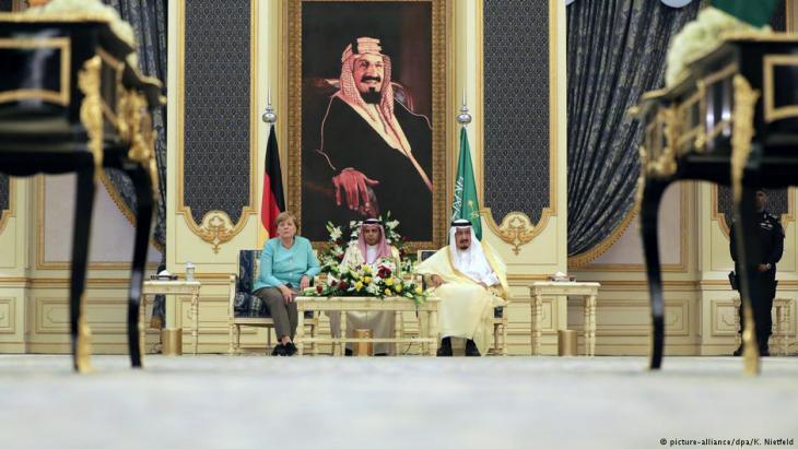 German Chancellor Angela Merkel on a state visit to King Salman in Saudi Arabia, 30.04.2017 (photo: Kay Nietfeld/dpa)