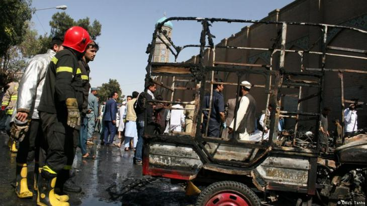 Explosion in front of Herat's main mosque on 06.06.2017 (photo: DW/S. Tanha)