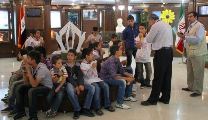 Children visiting the Tehran Peace Museum (source: tehranpeacemuseum.org; photo: Erfan Eskamaei)