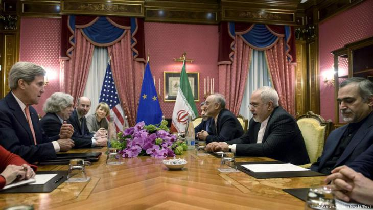 Negotiating the nuclear deal in Lausanne: U.S. Foreign Minister John Kerry and Iran′s Javad Zarif (photo: Reuters/Brendan Smialowski/Pool)