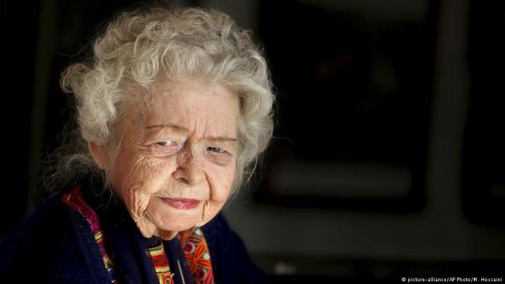 U.S. historian Nancy Dupree (photo: picture-alliance/AP Photo/M. Hossaini)