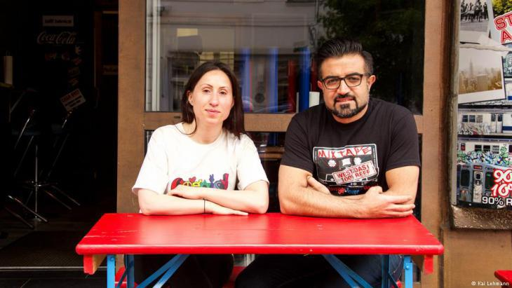 Yasin Duran and Meral Kiyak in front of their Berlin restaurant ″Mixtape Bagel Burgers″ (photo: Kai Lehmann)
