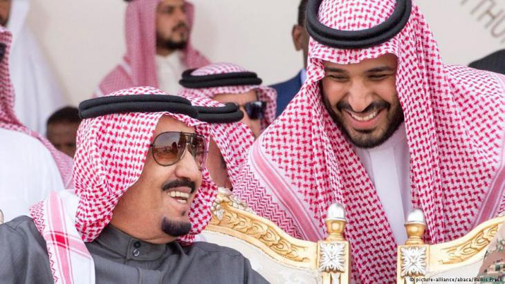 Crown Prince Mohammed bin Salman during military exercises in Riyadh in March 2016 (photo: picture-alliance/abaca)