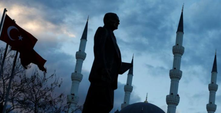 Statue of Ataturk in Istanbul (photo: Reuters)