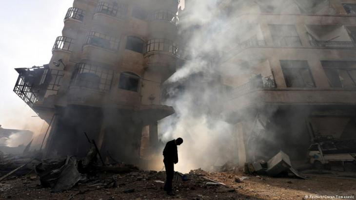 Syrian air force strike in Ain Tarma, Damascus, 2013 (photo: Reuters/Goran Tomasevic)