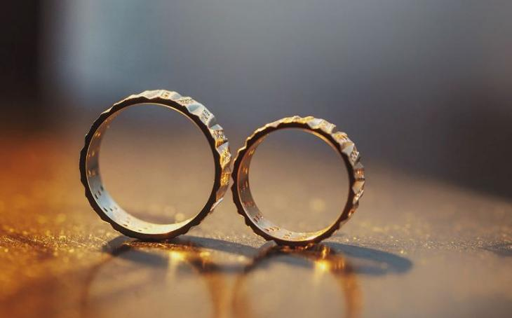 Wedding rings (source: Harmonica Facebook page)
