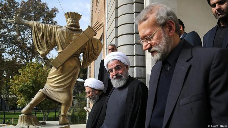 Iran′s Chief of Justice Sadegh Larijani (right) next to President Hassan Rouhani (photo: ILNA)