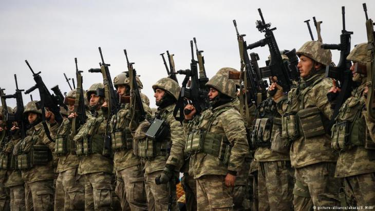 Turkish commandos swear an oath in Hatay, Turkey, before moving towards the Syrian border as part of Operation Olive Branch, 23.01.2018 (photo: picture-alliance/abaca/B. Milli)