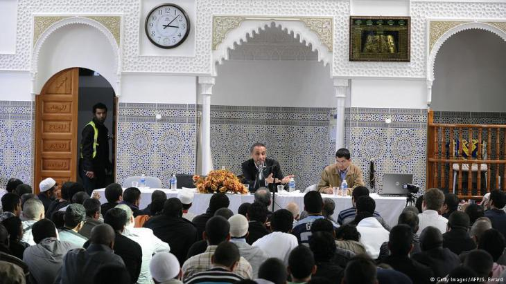 Tariq Ramadan speaking in a mosque in Nantes, France (photo: AFP/Getty Images)