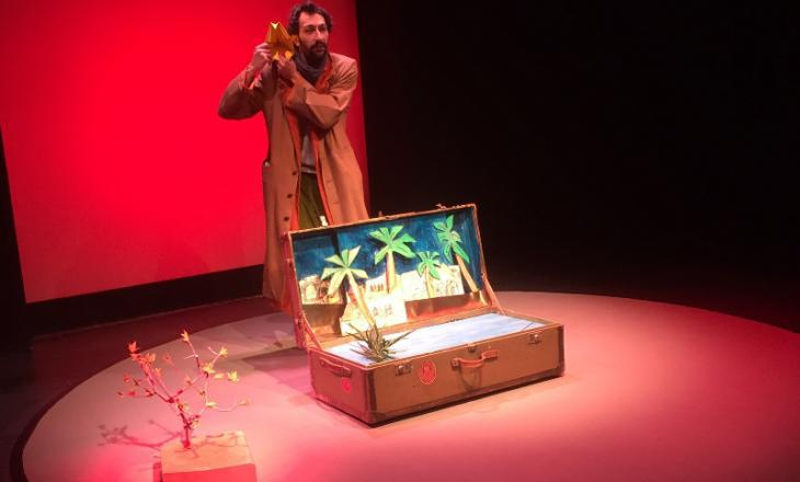 Scene from ″Der Vogel Anderswo″ – The Elsewhere Bird (source: Theater der Jungen Welt, Leipzig)