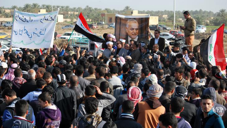 Sunni tribes from Ramadi demonstrate against the Maliki government on 23 December 2012 (photo: Joy Bhowmik)
