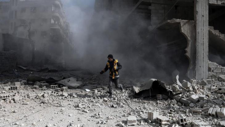 White Helmet volunteer in East Ghouta on 23 February 2018 (photo: AFP/Getty Images)