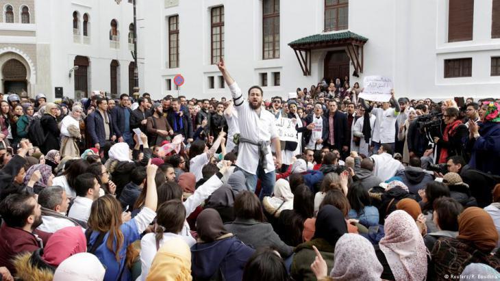 Striking doctors in Algiers (photo: Reuters)