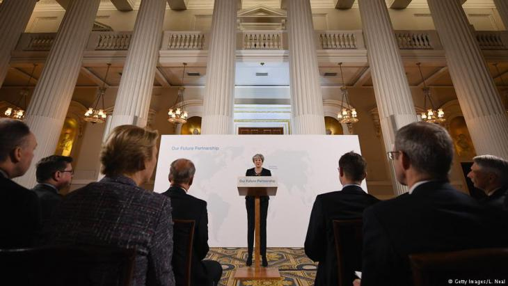 British Prime Minister Theresa May delivers a key speech setting out her vision of Brexit at Mansion House on 02.03.2018 in London (photo: Getty Images/L. Neal)