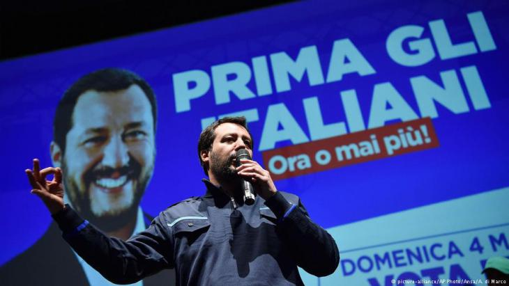 Matteo Salvini of the right-wing populist League during a campaign rally in Turin (photo: AP/picture-alliance)