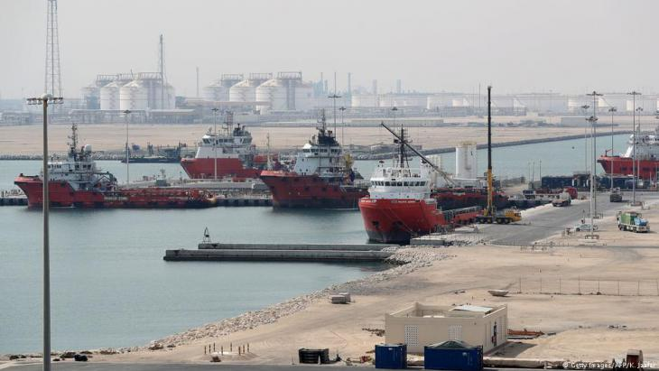 Ras Laffan Industrial City, Qatar's principal site for production of liquefied natural gas and gas-to-liquid, administrated by Qatar Petroleum, some 80 kilometres (50 miles) north of the capital Doha, on 6 February 2017 (photo: Getty Images/AFP/K. Jaafar)