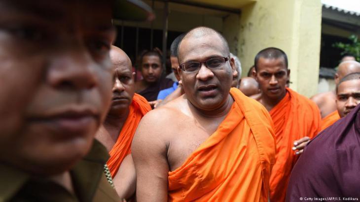 BBS leader Galagodaatte Gnanasara (photo: Getty Images/AFP/I.S. Kodikara)