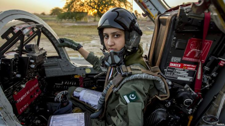 Female fighter jet pilot in Pakistan (photo: Reuters)