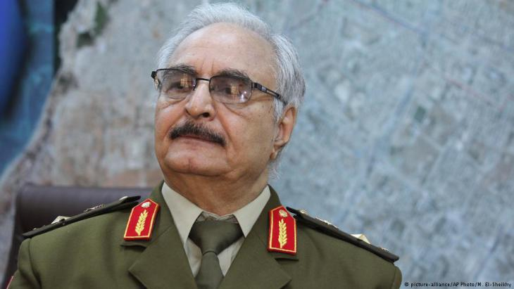 General Khalifa Haftar (photo: picture-alliance/AP Photo)