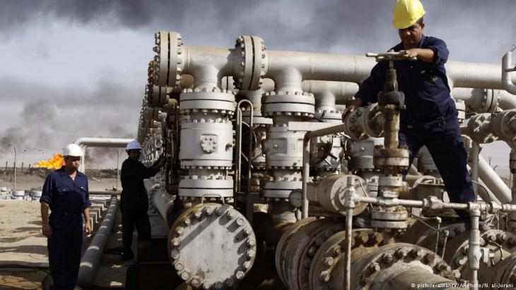 Oil production in Baji, Kirkuk (photo: picture-alliance/AP)