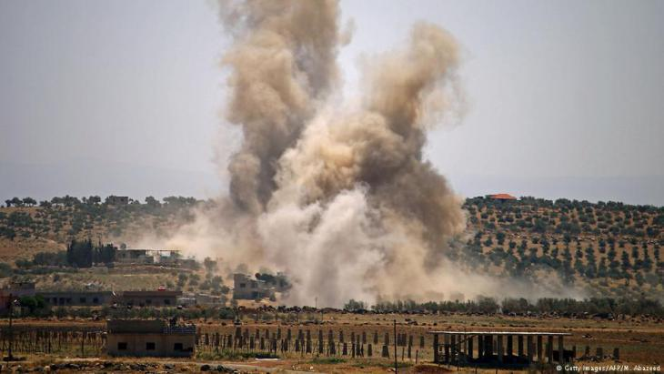 Air strikes in the Syrian province close to the Syrian-Jordan border on 8 July 2018 (photo: Getty Images/AFP)