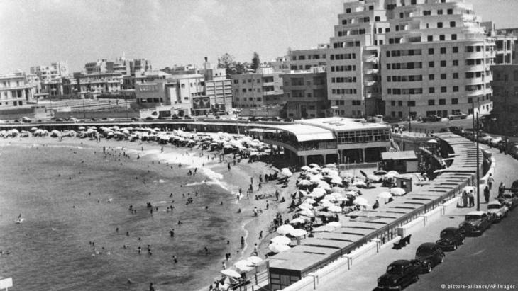 Gylmenopoulo Beach in Alexandria, Egypt, 1960 (photo: picture-alliance/AP Images)