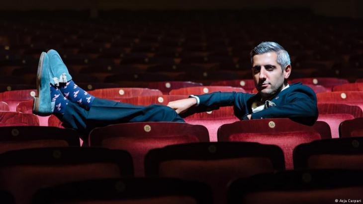 Michel Abdollahi, performance artist with Iranian roots (photo: Asja Caspari)