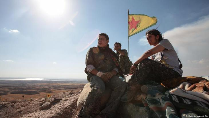 Kurdish YPG fighters at an outpost near Ain al-Arab, Syria (photo: Getty Images/A. Sik)