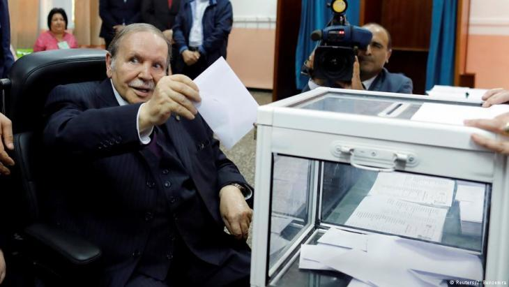 President Bouteflika votes in the 2017 parliamentary elections (photo: Reuters/Z. Bensemra)