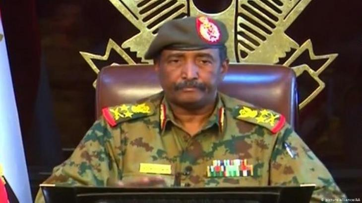 Head of the new Sudanese military council General Abdel Fattah al-Burhan (photo: picture-alliance/AA)
