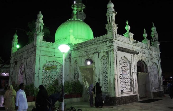 Sufi shrine of Haji Ali Dargah, Bombay (photo: Dominik Muller)