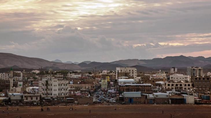 Crowding in Marib has led to new neighbourhoods that resemble small cities in their own right (photo: Ahmed Nagi)