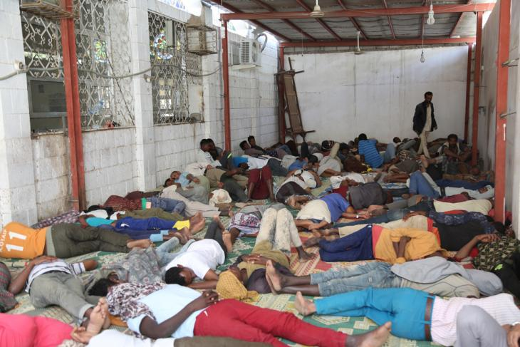 African migrants sleeping in a small room at a mosque entrance (photo: Ahmed Nagi)