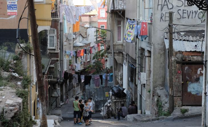View of Istanbul's impoverished Dolapdere district (photo: Ulrich von Schwerin)