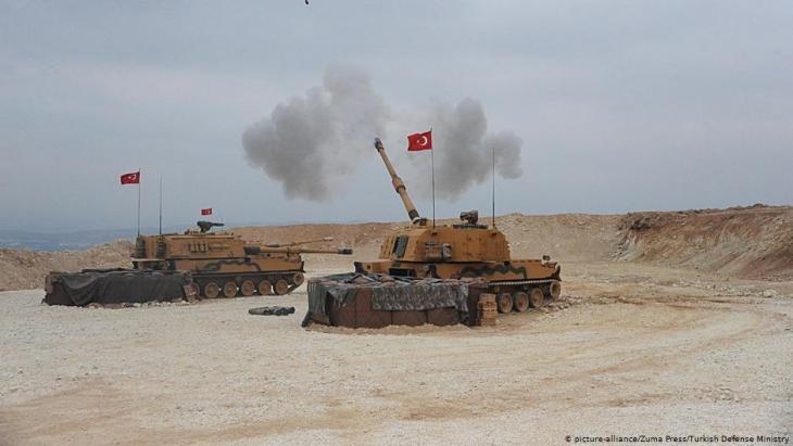 Turkish tanks (photo: picture-alliance/Zuma Press/Turkish Defence Ministry)