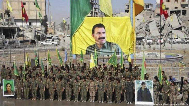 Kurdish women's YPG militia in Raqqa (photo: Ronahi TV/dpa)