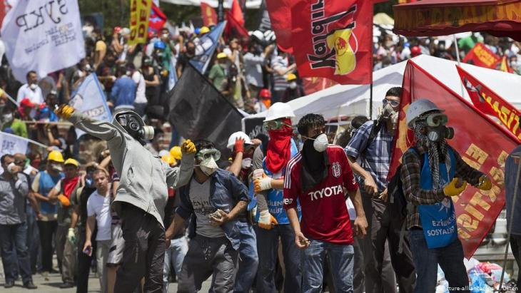 Gezi Park demonstrations in Istanbul in 2013 (photo: picture-alliance/dpa)
