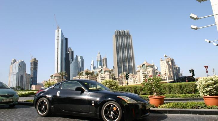 Luxury car in Dubai, symbolic of Western-style consumption (photo: Marian Brehmer)