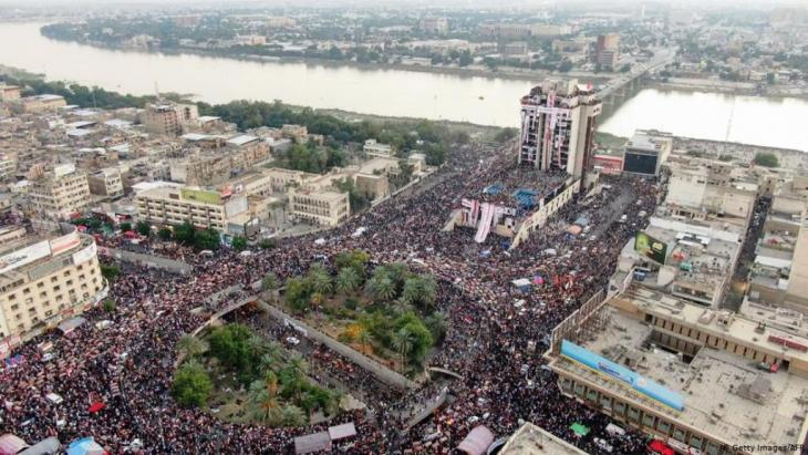 Mass protests on Tahrir Square in Baghdad (photo: Getty Images /AFP)