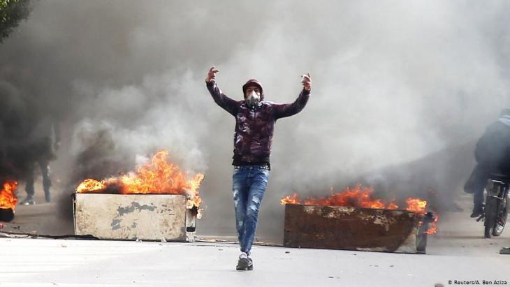 Unrest following the self-immolation of journalist Abderrazak Zorgui in Kasserine (photo: Reuters)