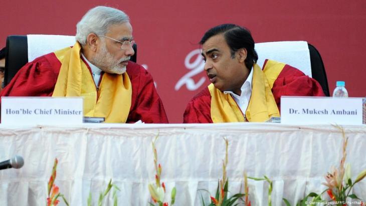 Indian Prime Minister Narendra Modi and media mogul Mukesh Ambani (photo: Getty Images/AFP/S. Panthaky)